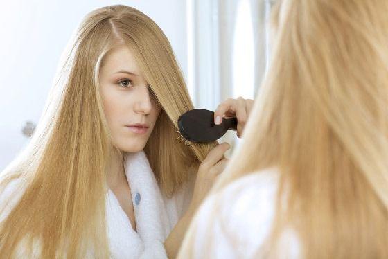Які вітаміни допомагають при випаданні волосся?