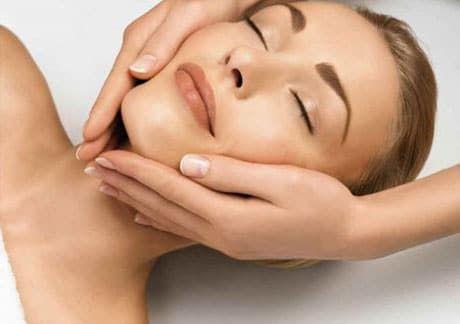 Омолодження без болю і клопоту за допомогою класичного масажу обличчя